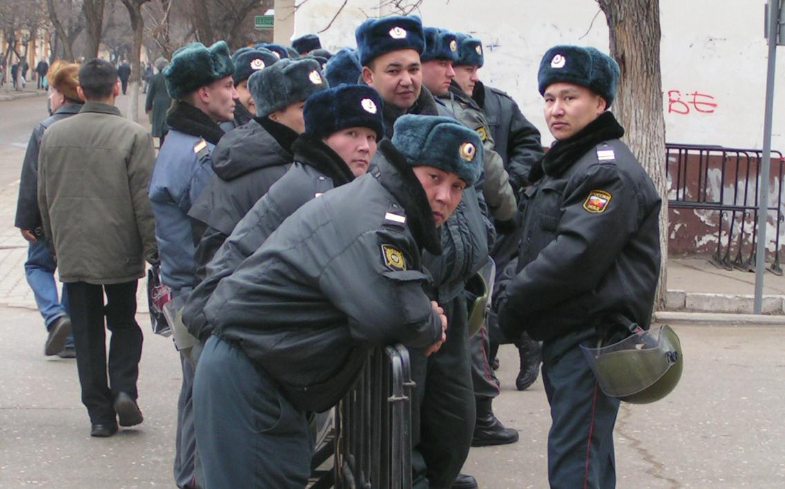 Астраханскую полицию перевели на усиленный режим несения службы