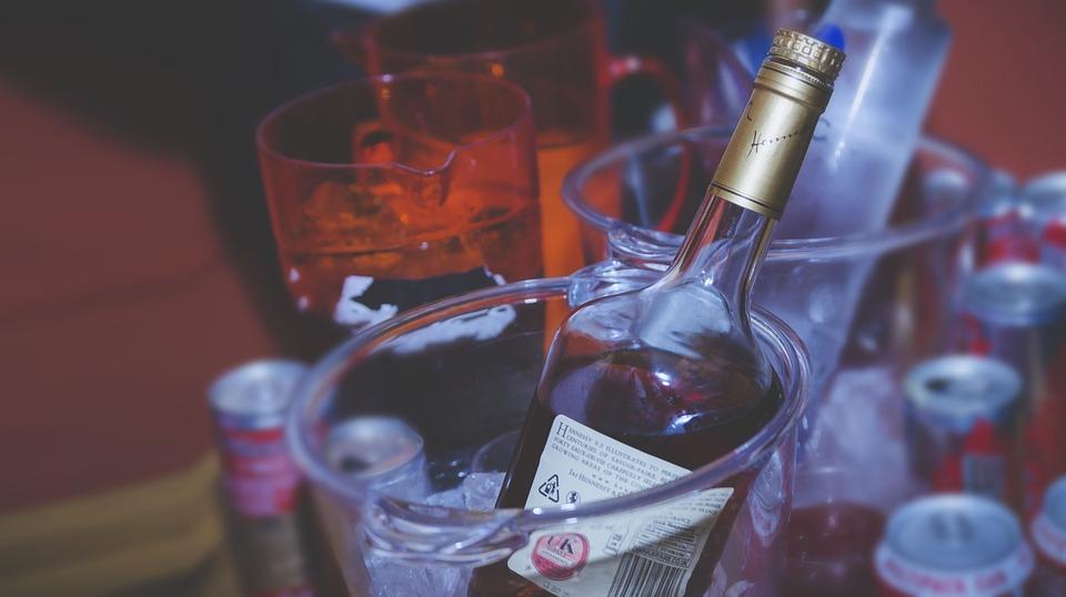 Коньяку и виски резко поднимут минимальную цену