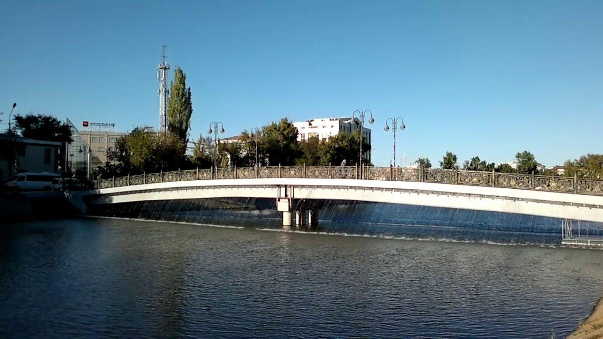 Ломавших мост астраханских школьников нашли благодаря видео