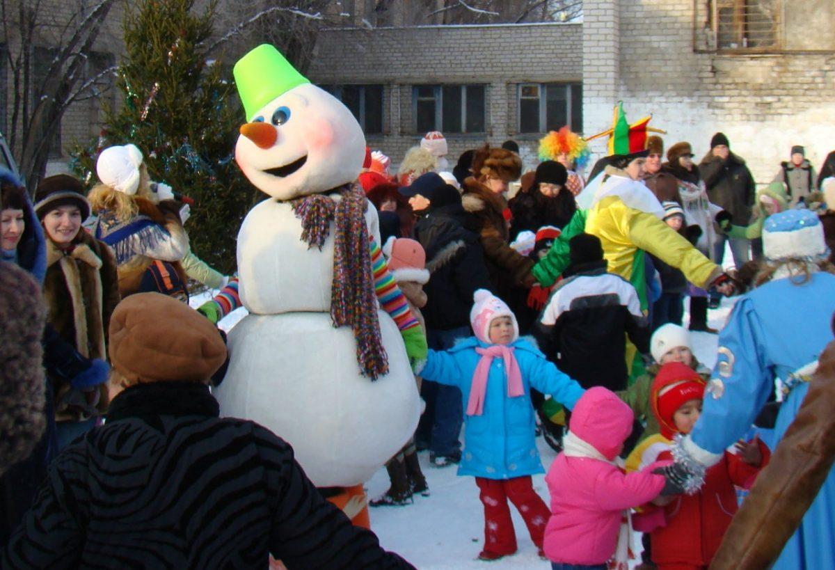 Астраханцам переносят выходные в честь Нового года