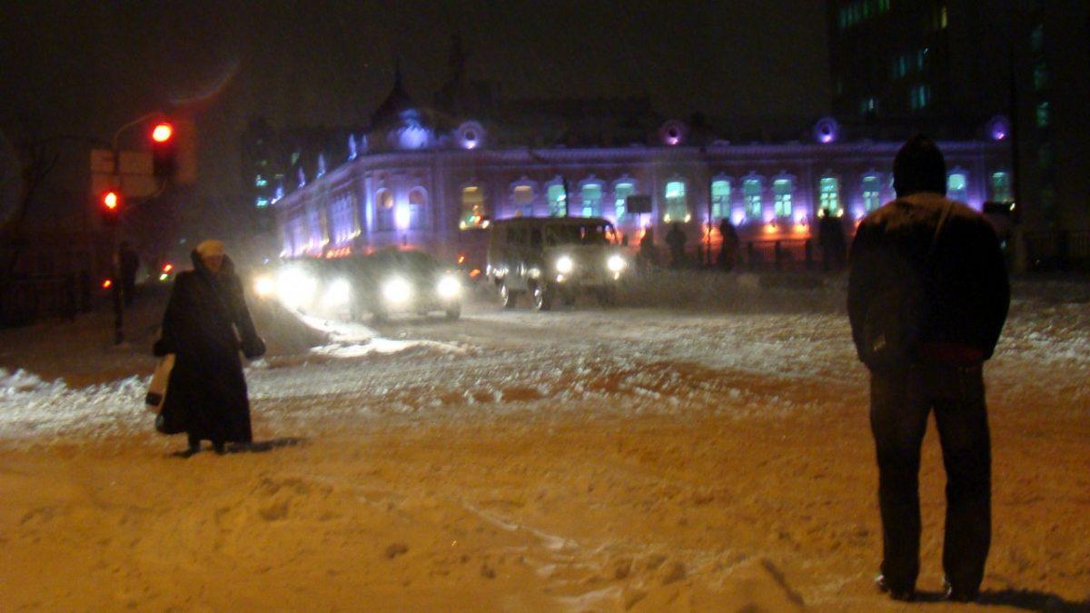Астраханцам рассказали, как надо убирать снег