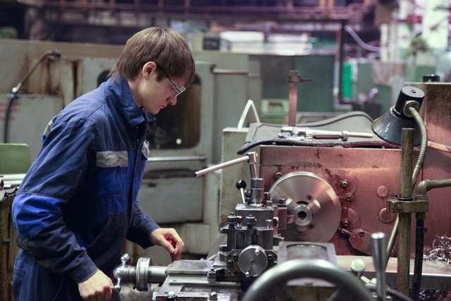 Астраханской области нужны химики, технологи и инженеры-конструкторы