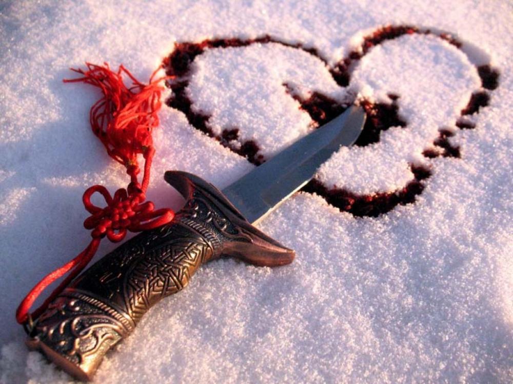 Много алкоголя в канун Нового года и нож прервали любовь астраханца