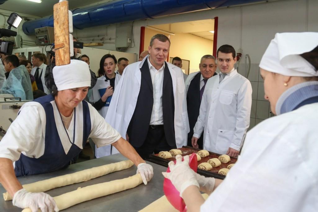 Руководство Трусовского хлебозавода попросило помощи у Сергея Морозова