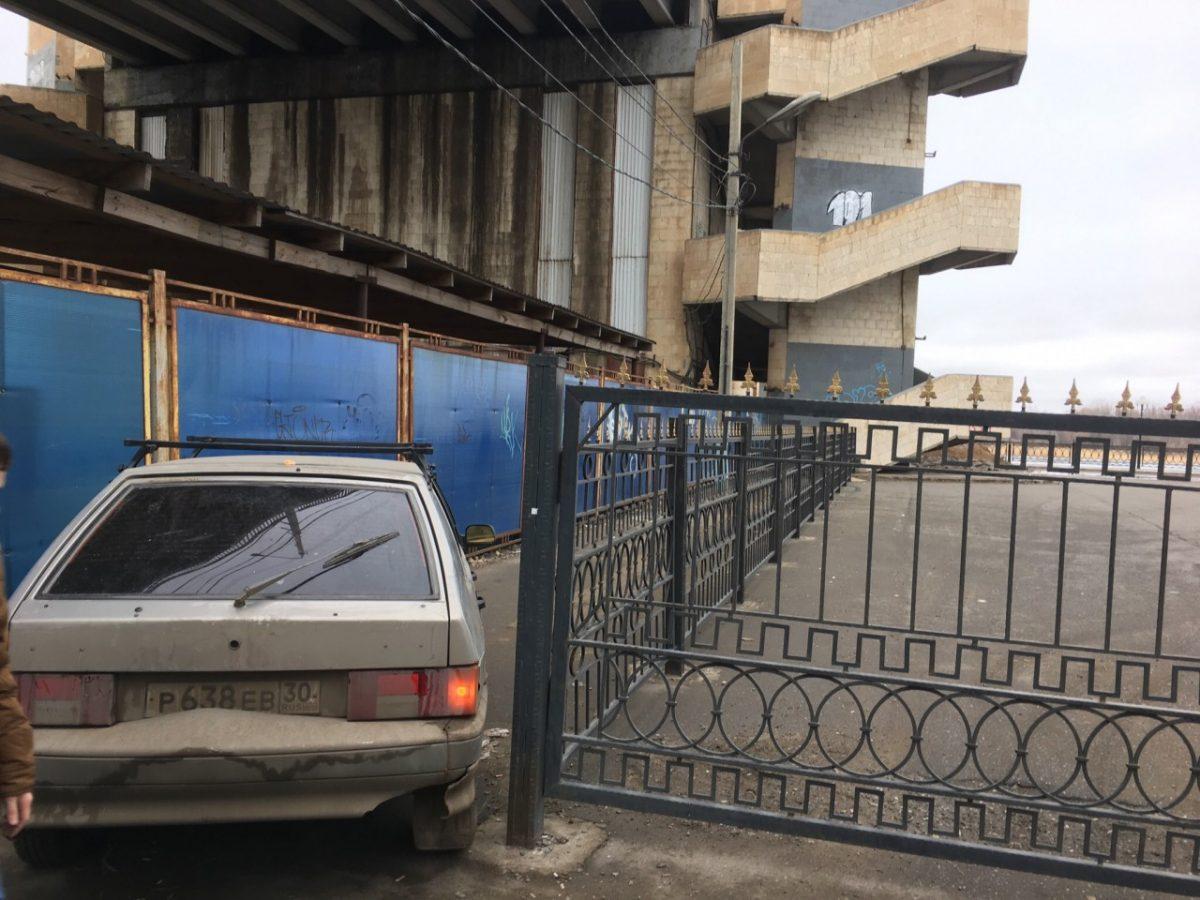 В Астрахани вновь фотографируют «гениев» парковки