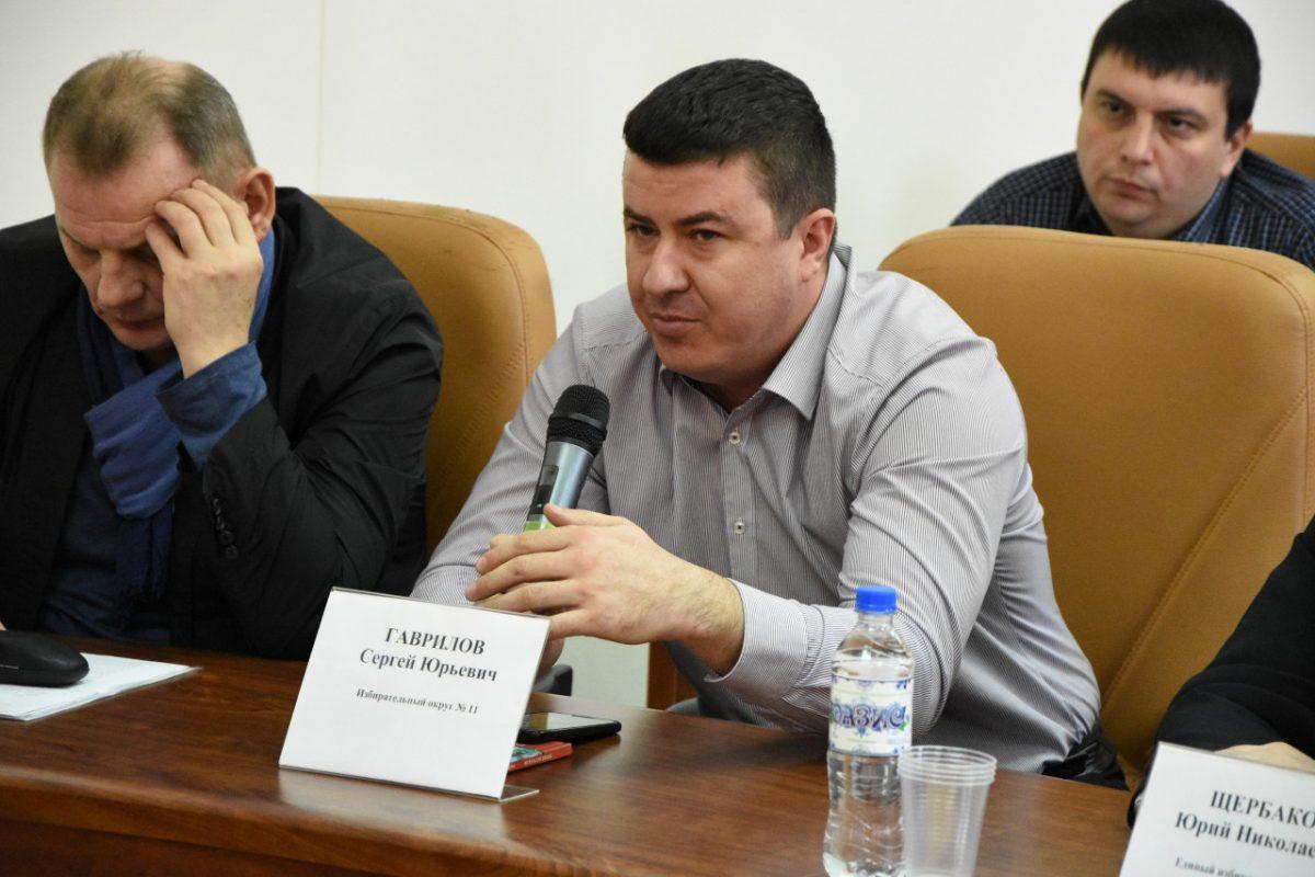 Городские депутаты задали вопросы главе администрации Астрахани