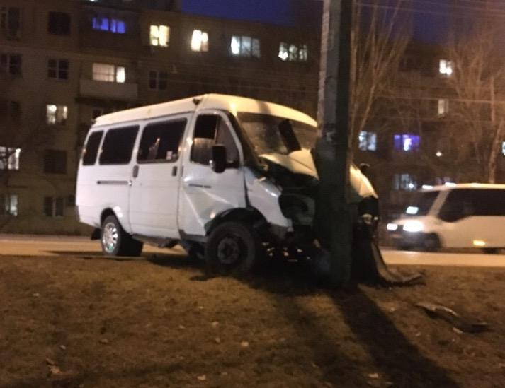 Маршрутчики устроили гонки: появилось видео аварии на Боевой