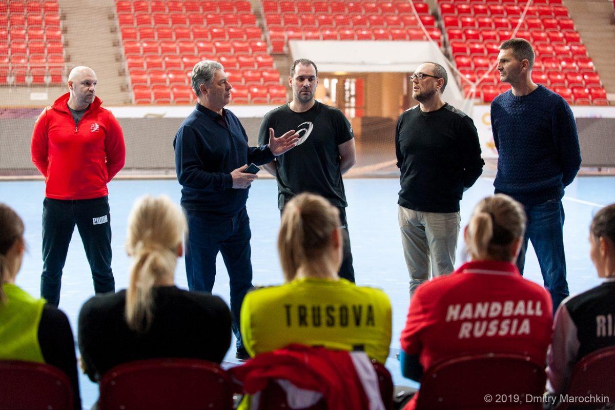 Астраханских гандболисток будет консультировать тренер из Черногории
