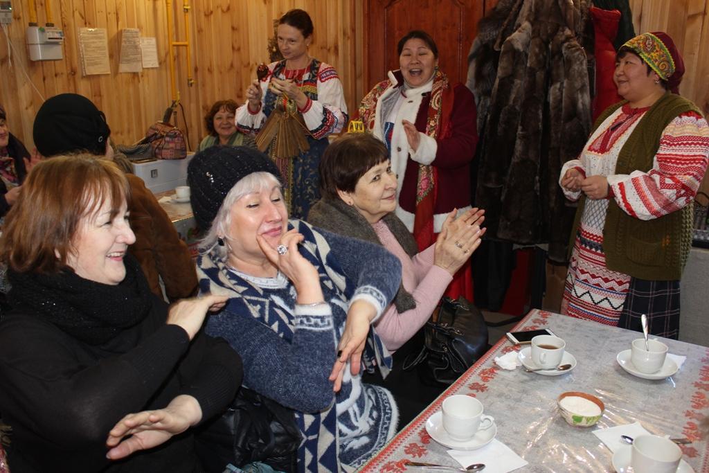 Пенсионеров из Астрахани вывезли в сельскую местность