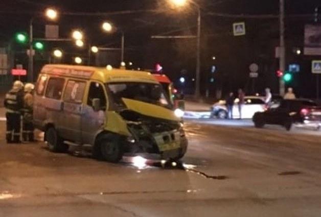 В Астрахани вновь произошла авария с участием маршрутки