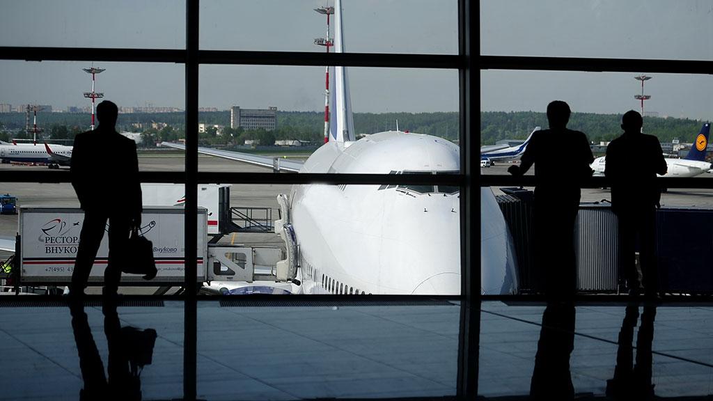 Уехать из страны готова почти половина молодых россиян