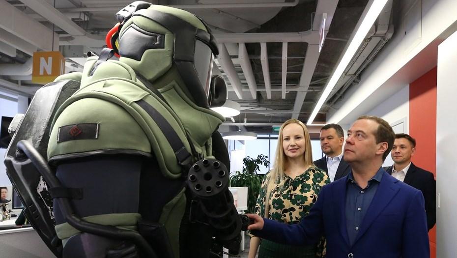 Дмитрий Медведев раскритиковал иностранные компьютерные игры