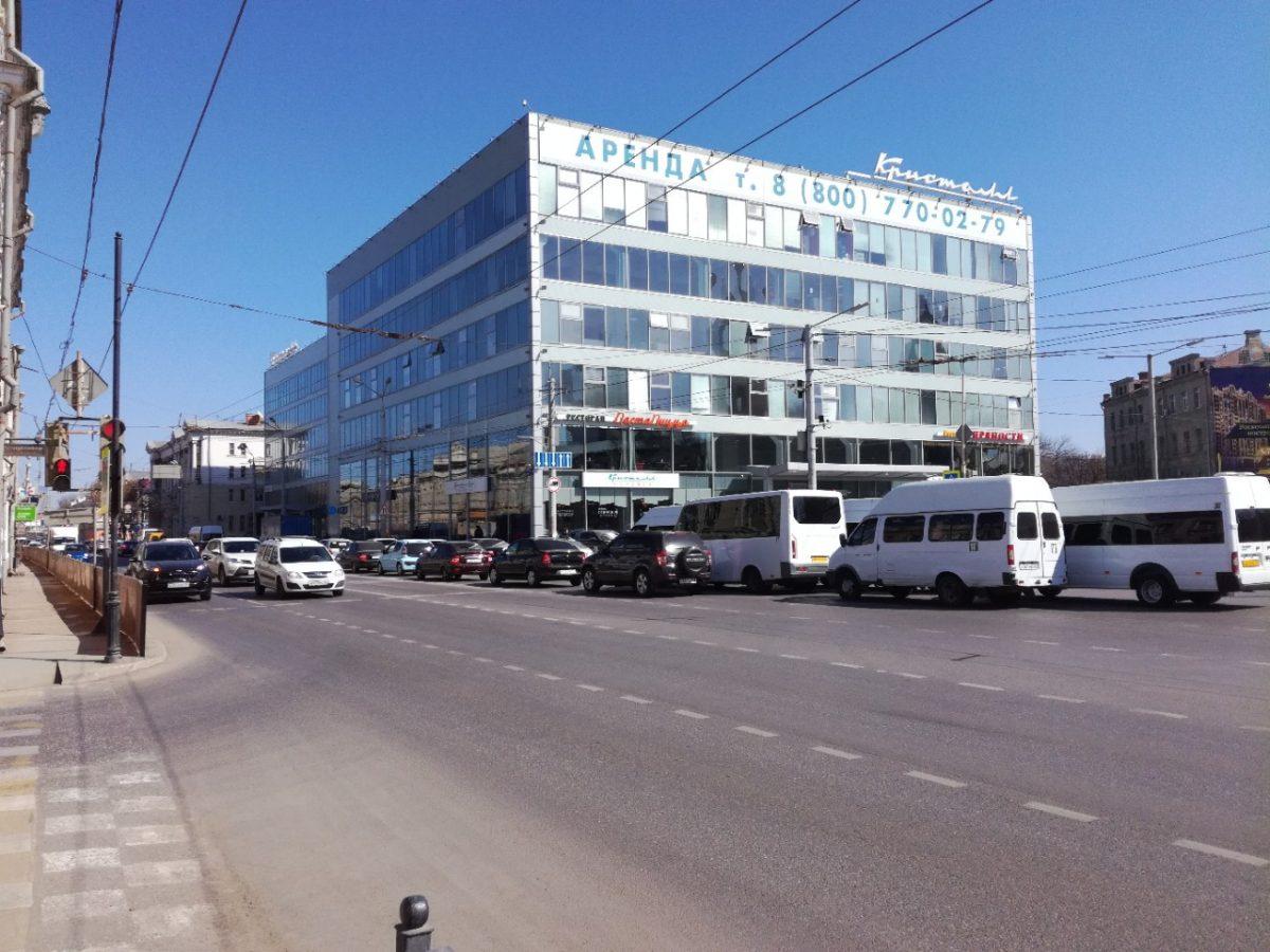Астраханцы просят вернуть разметку-вафельницу возле «Кристалла»