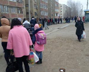 Фото дня: очередь на конечной остановке в микрорайоне Бабаевского