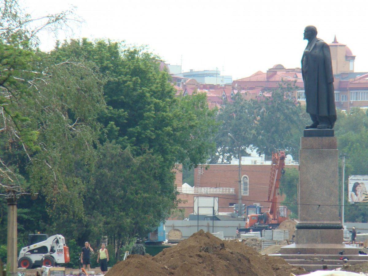 Как площадь Ленина переименовывали в Петербургскую