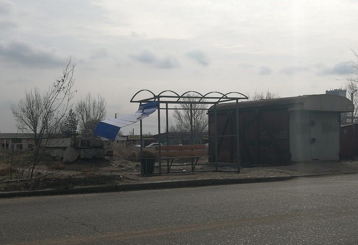 В микрорайоне Бабаевского упрямо разрушают остановки