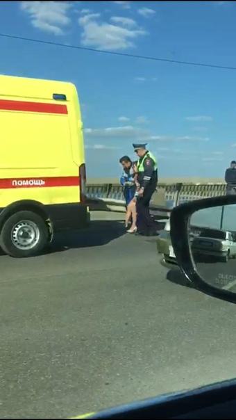 В Астрахани на двух мостах транспортный коллапс из-за аварий