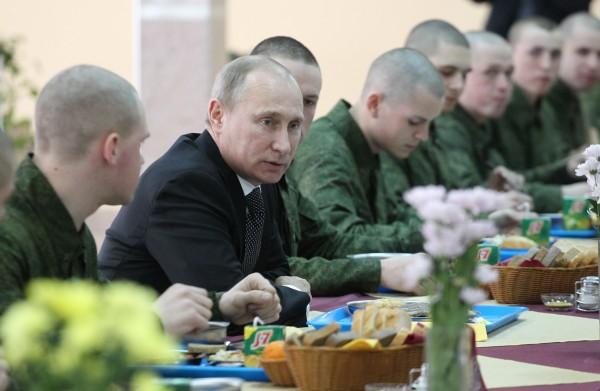 Владимир Путин: призыв в армию уходит в прошлое