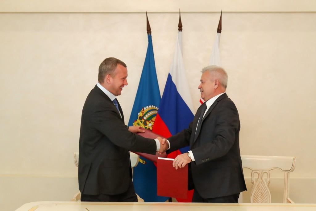 Сергей Морозов и Вагит Алекперов подписали протокол к соглашению о сотрудничестве