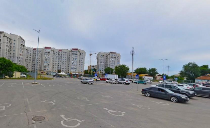 Астраханский магазин Metro заставили оборудовать парковку для инвалидов