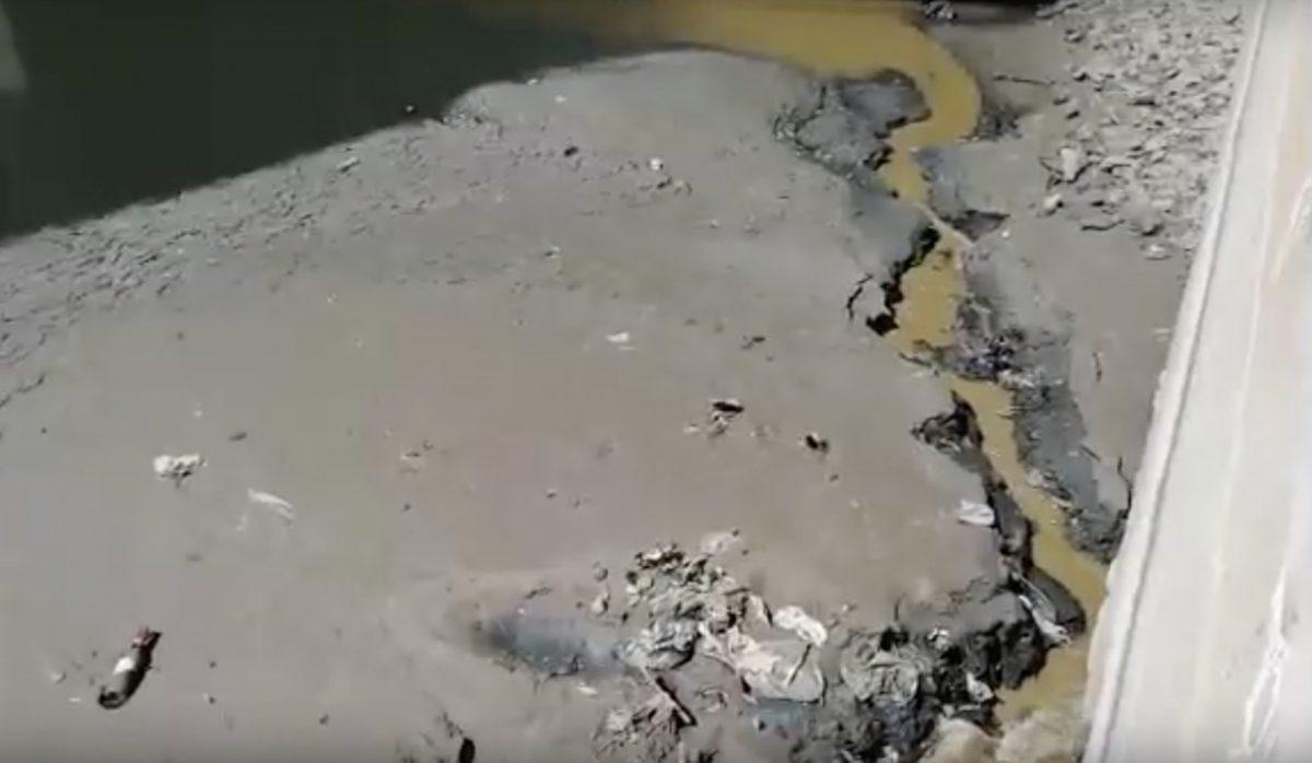 В Кутум по-тихому сливают нечистоты. Видео