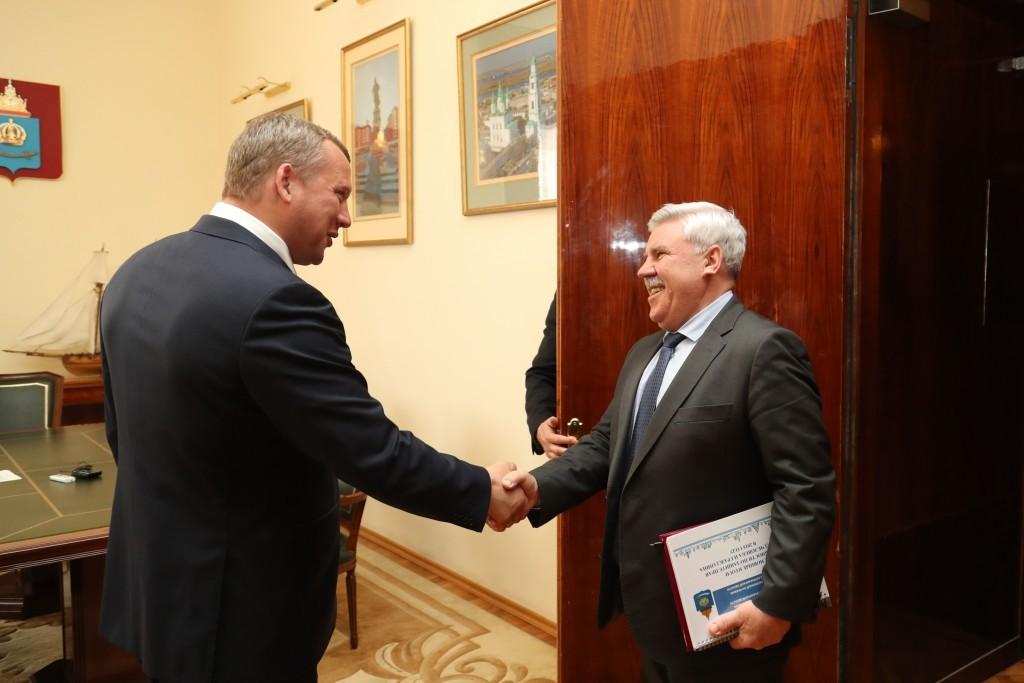 Сергею Морозову доложили о том, как соблюдаются права астраханцев