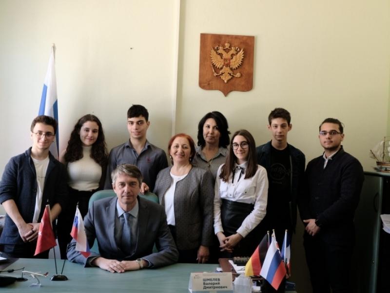 Турецкие школьники приехали в Астрахань для обмена опытом