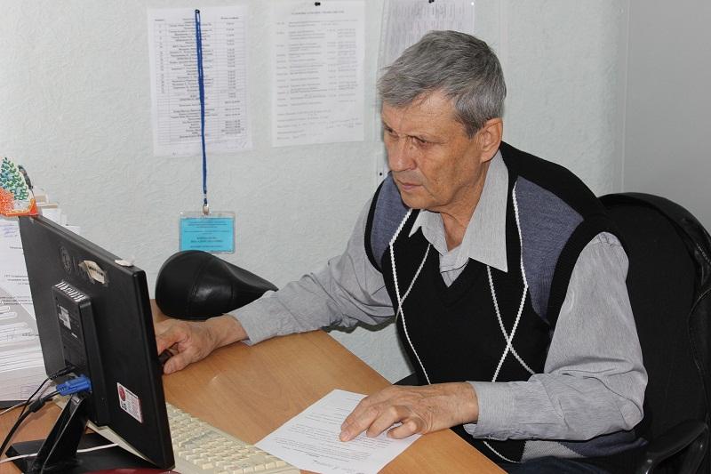 Астраханских пенсионеров учат «гуглить»