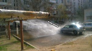 В Астрахани фонтанируют несколько бесплатных автомоек