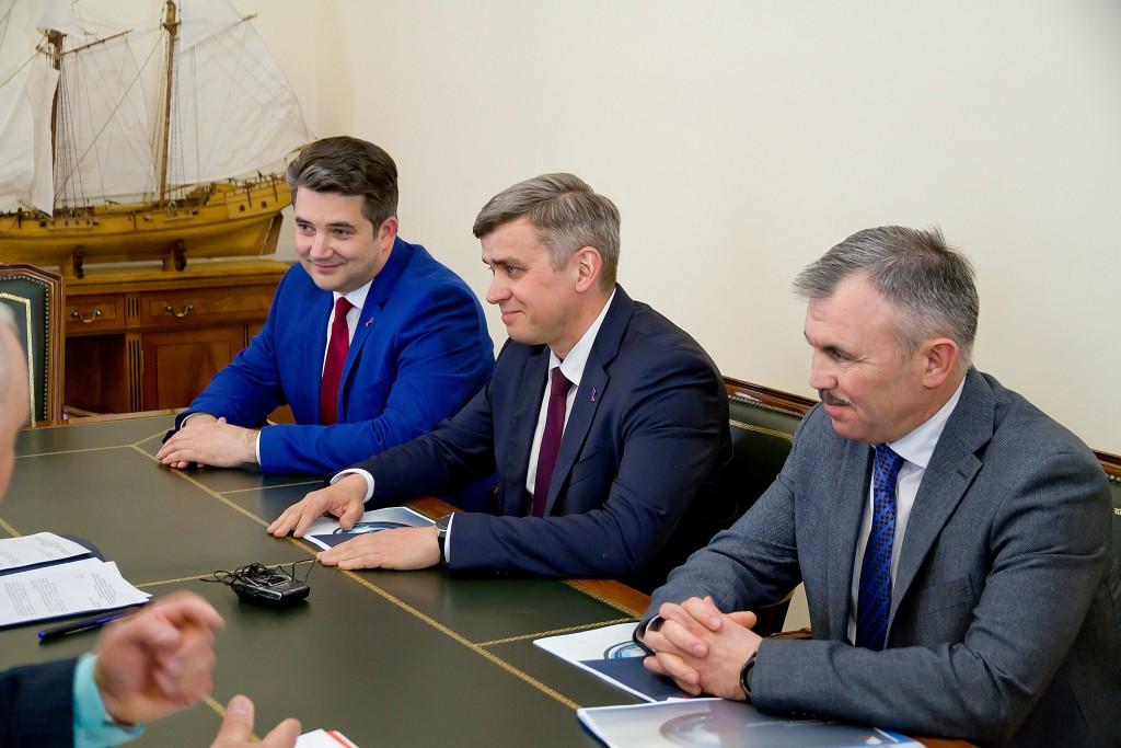 Денис Лысов обсудил перспективы цифровизации с врио губернатора Астраханской области