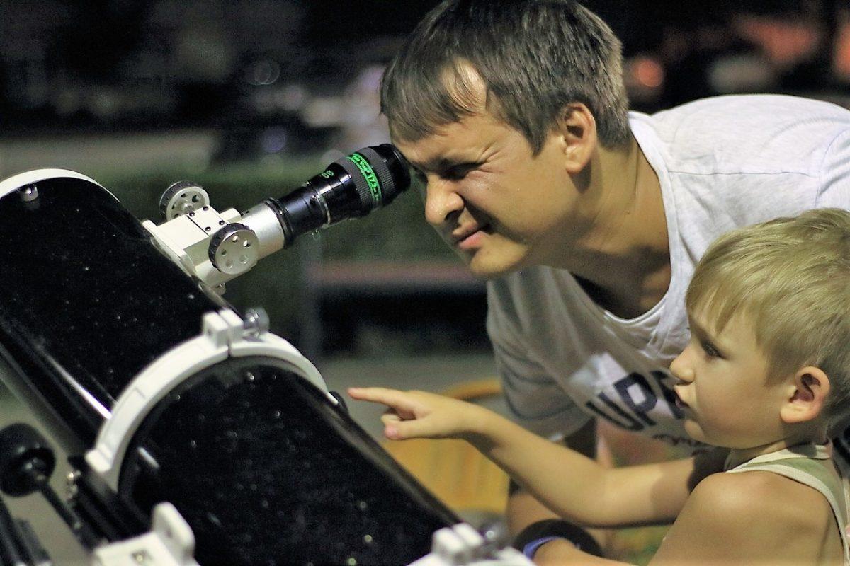 Завтра астраханцы смогут посмотреть на луну и солнце в телескоп