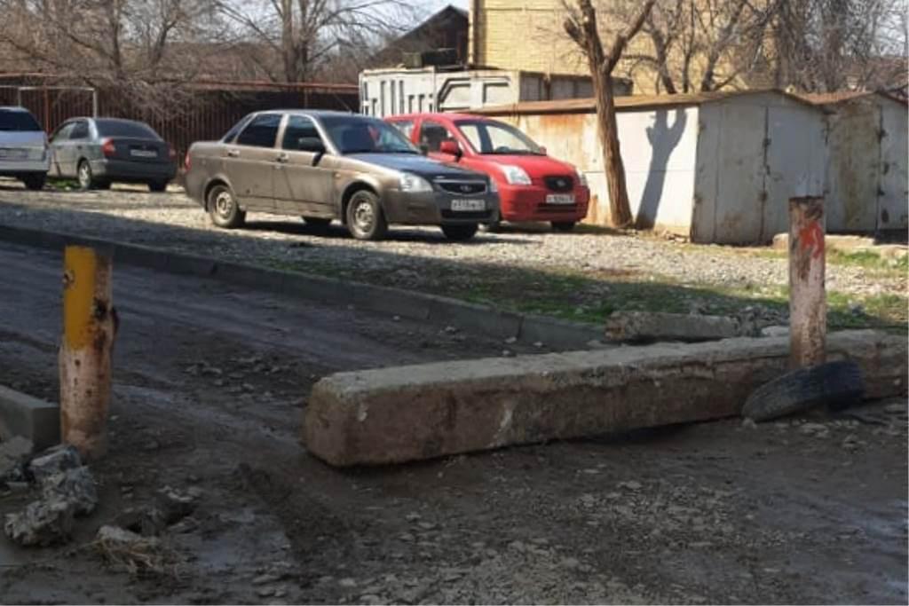 Жильцы домов на улице Маркина ведут войну и баррикадируются