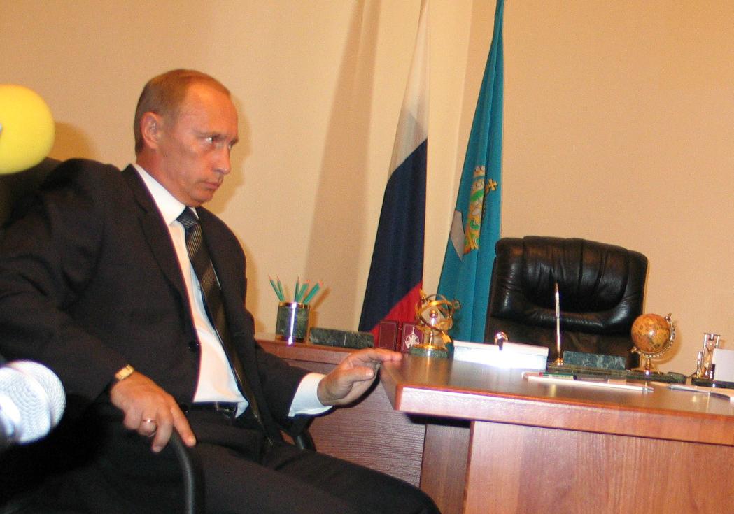 «Уеду-ка в Астрахань на три дня». Как президент Путин впервые посетил дельту Волги