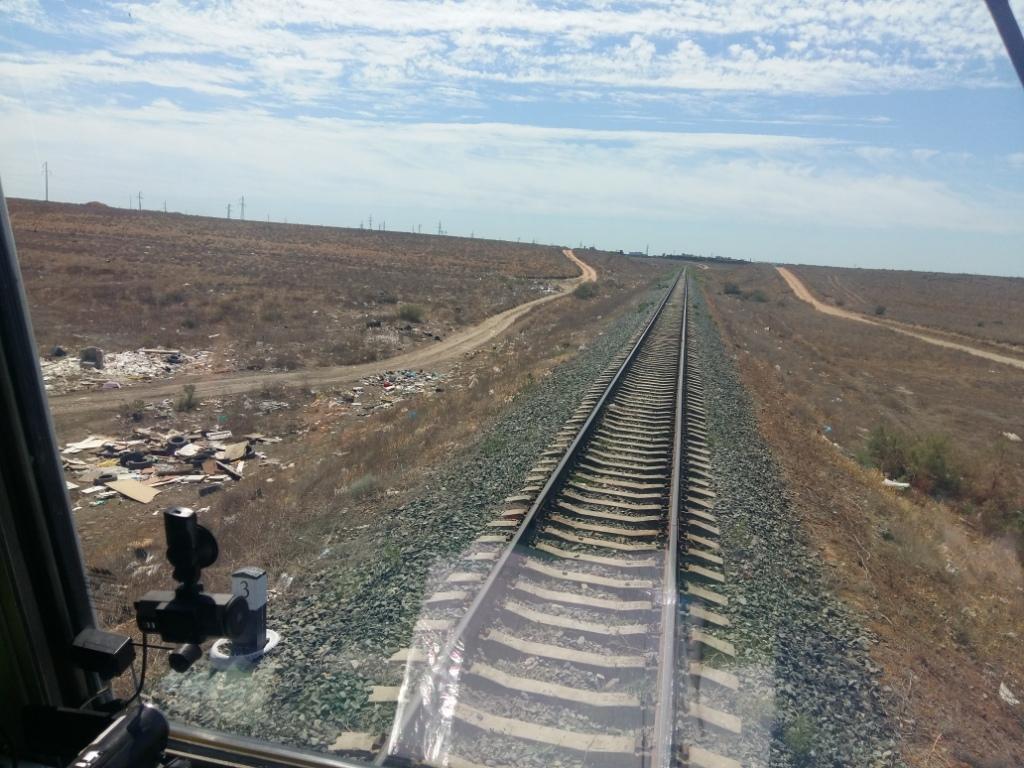 Рейд по выявлению несанкционированных свалок около железнодорожных путей прошёл в Астраханском регионе