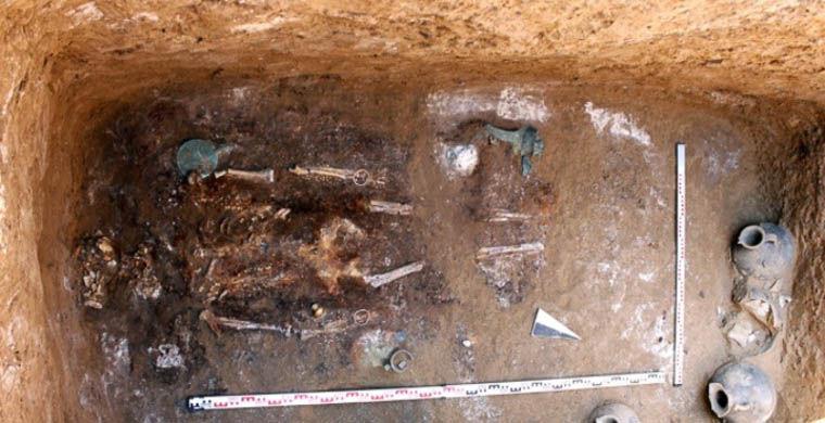 Астраханский фермер копал огород и нашел гроб с сарматским воином