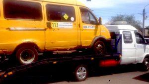 Астраханцев возили маршрутки с неисправным рулевым управлением