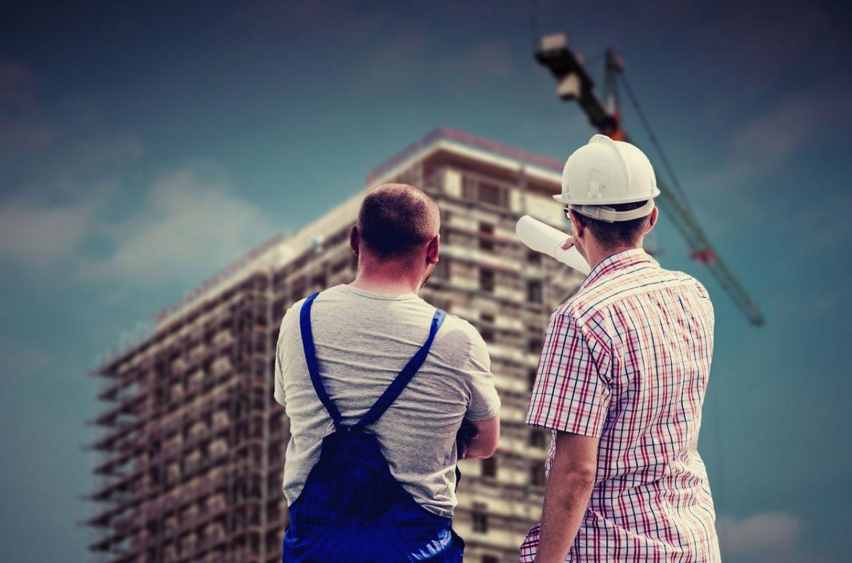 На главного по надзору за капитальным строительством в Астрахани завели уголовное дело