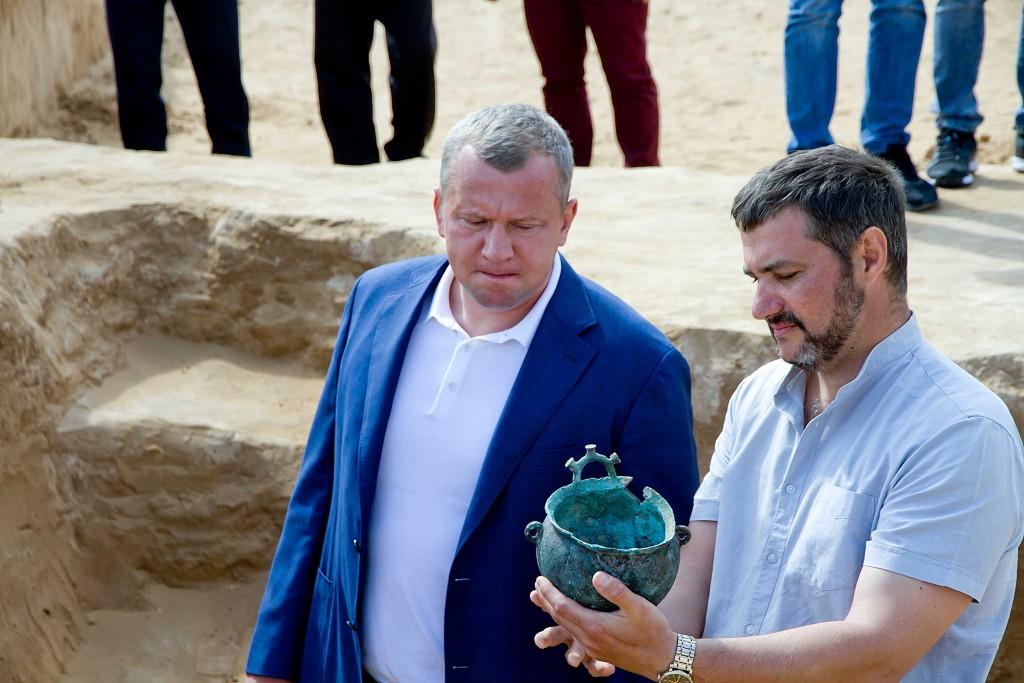 Сергей Морозов взял под контроль судьбу сенсационной находки археологов