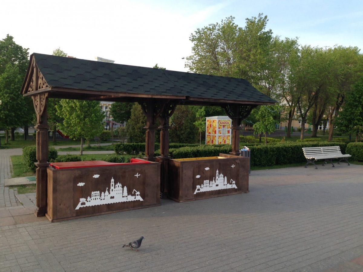 Торговые объекты на набережной Астрахани привели к единому стилю
