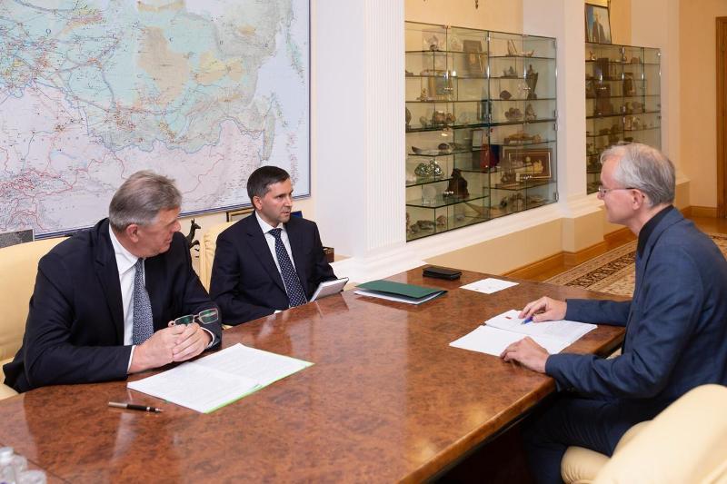 Олег Шеин предложил разрешить рыбакам подъезжать к рекам