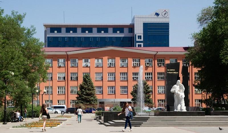 АГУ вошел в число 100 лучших вузов России