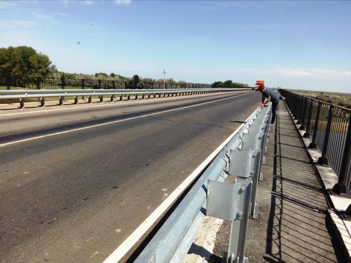 В Астраханской области красиво отремонтировали мост