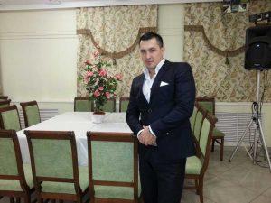 Кандидат в губернаторы Астраханской области обещает бесплатно проводить свадьбы и юбилеи