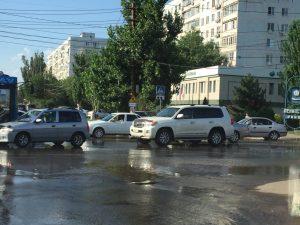 На улице Савушкина прошел коммунальный «ливень»