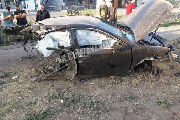 В аварии на Николая Островского машину разорвало пополам