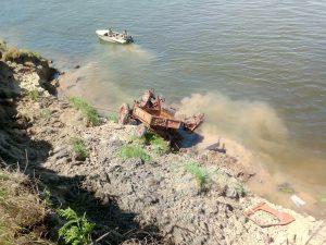 Пьяный астраханский тракторист поехал за водкой и утонул