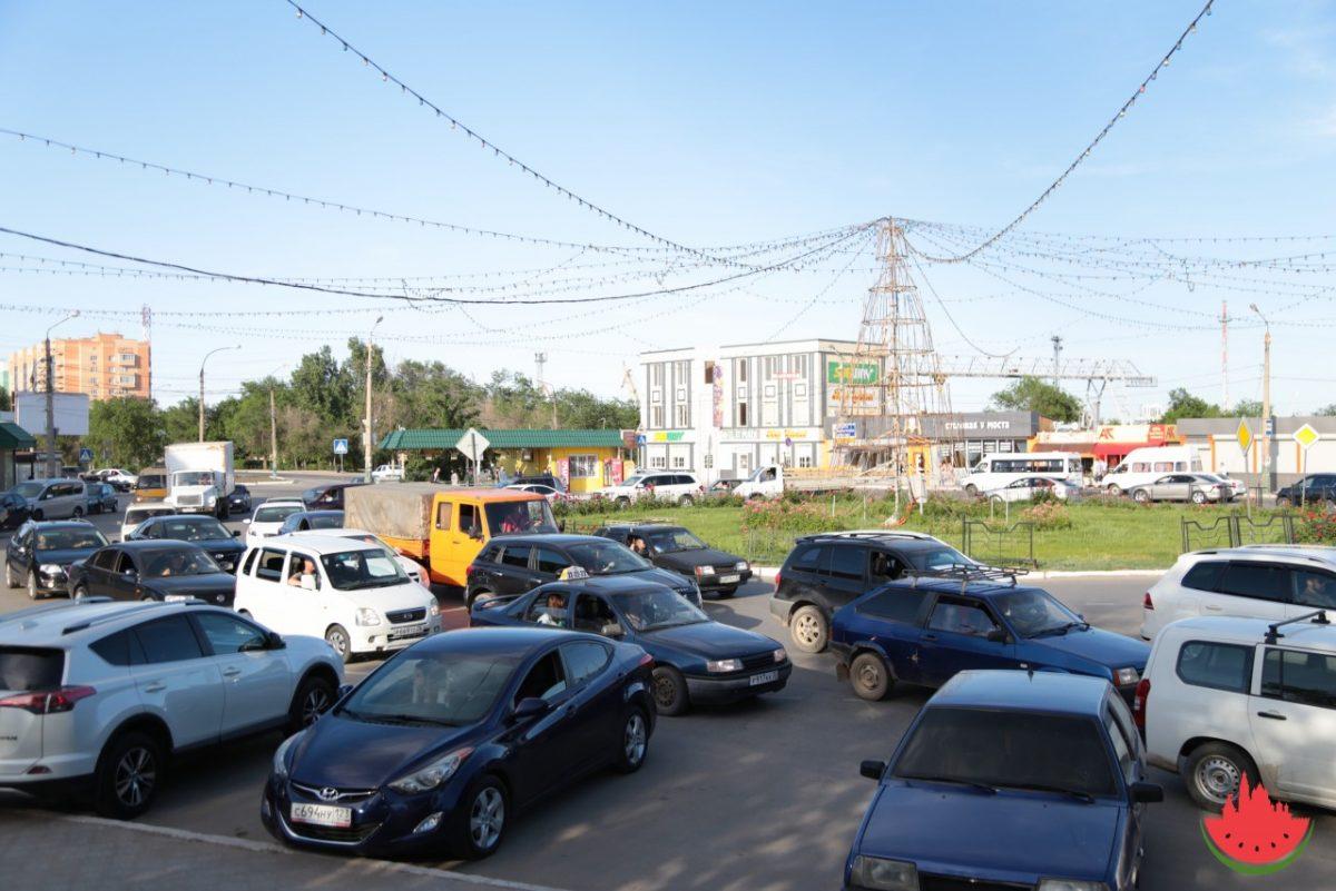 В Трусовском районе снова задумались над реверсивным движением