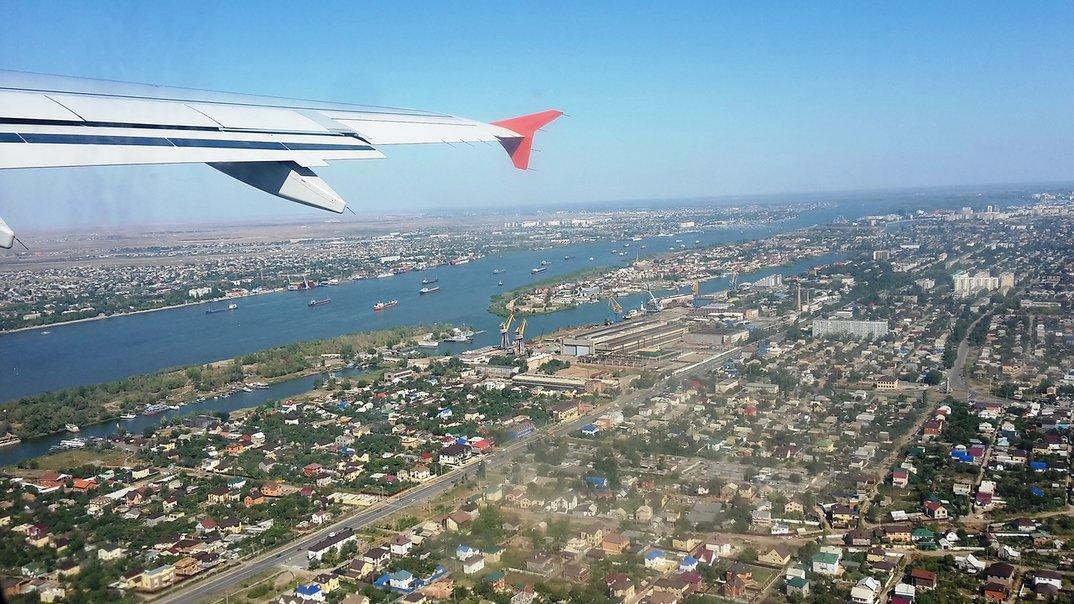 Волгоград и Астрахань планируют связать прямым самолетом