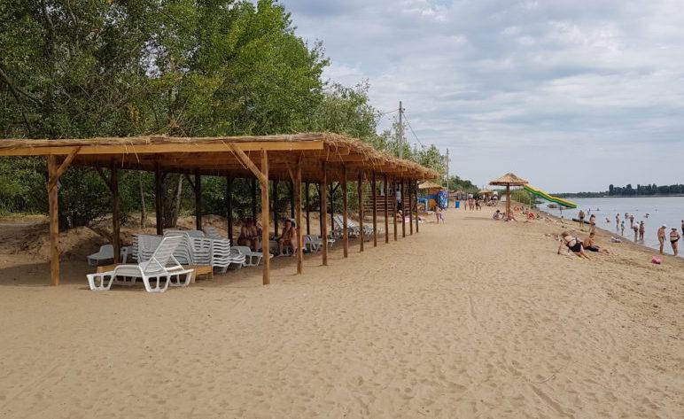 Городской пляж преобразился как перед приездом Путина