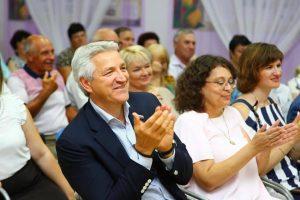 Леонид Огуль рассказал о важности возврата курилок в аэропорты